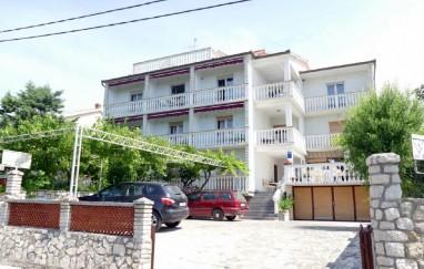Appartamenti e camere da letto Karlo