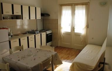Apartmani Mladenka