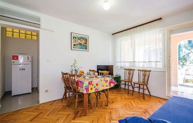 Apartman Jakov A-8