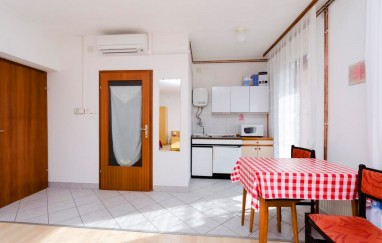 Apartmani Jukša (Ivan Tomljanović)