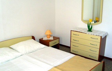 Apartmani Nikola (Kaštelan Nikola)